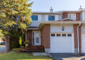 19 McCurdy Dr Ottawa ON K2L-small-001-2-Exterior  Front-666x454-72dpi