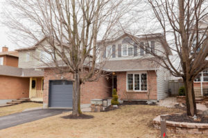 44 Castlefield Ave Ottawa ON-large-001-24-Front Exterior-1500x1000-72dpi
