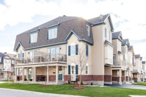 316-meadowbreeze-dr-ottawa-on-large-002-14-exterior-front-1500x1000-72dpi
