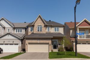 313 Meadowbreeze Dr Ottawa ON-large-001-3-Front Exterior-1500x1000-72dpi